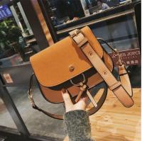 2017新款韩版女包潮流磨砂马鞍包时尚手提单肩斜挎潮包FC1633